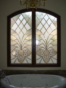 Arabesque Bevels II Tub Windows