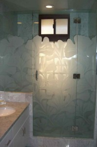 frameless glass shower doors sandblasted glass Asian style plants nature ginkgo leaves sans soucie