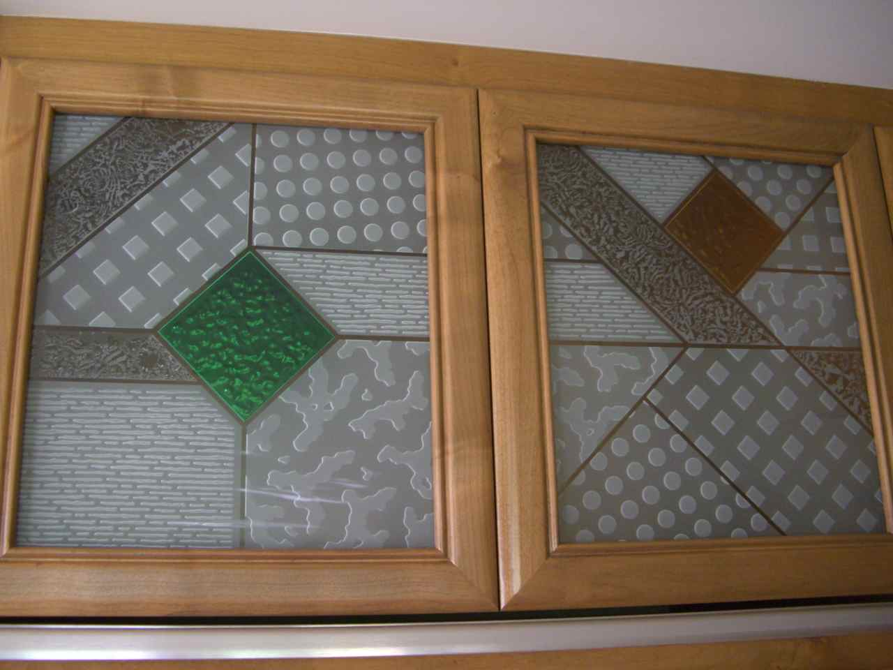 Cabinet Glass Sans Soucie Art Glass