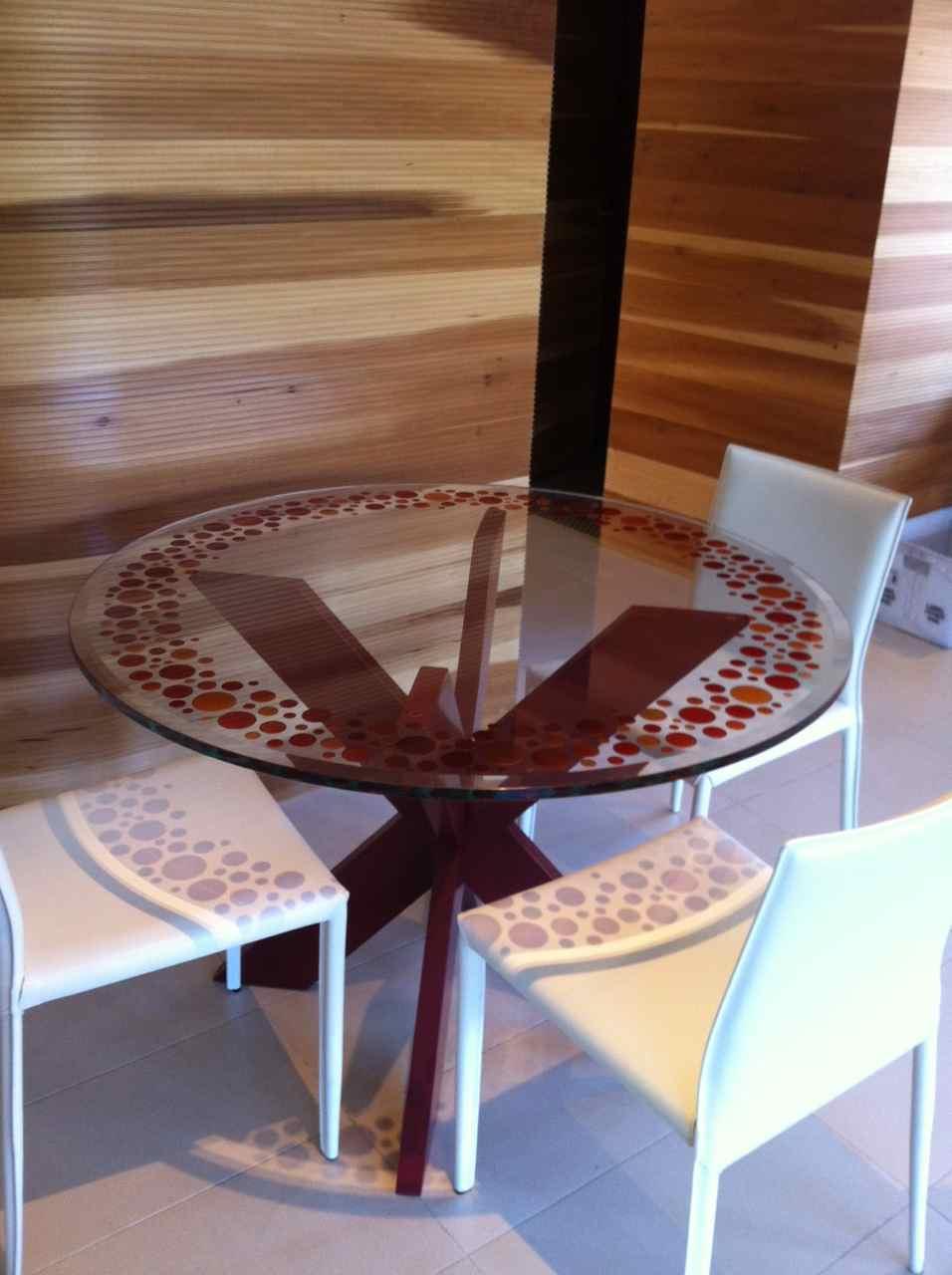 Table Geometric Circles Bubbly   2