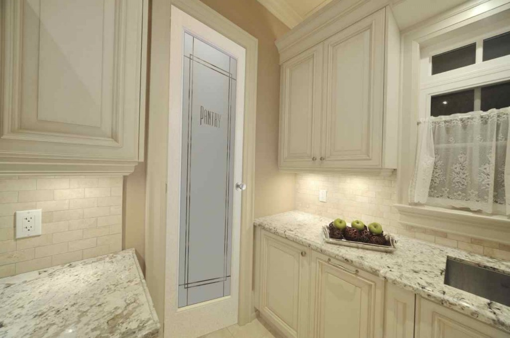 Ultra Kitchen Cream Pantry Door