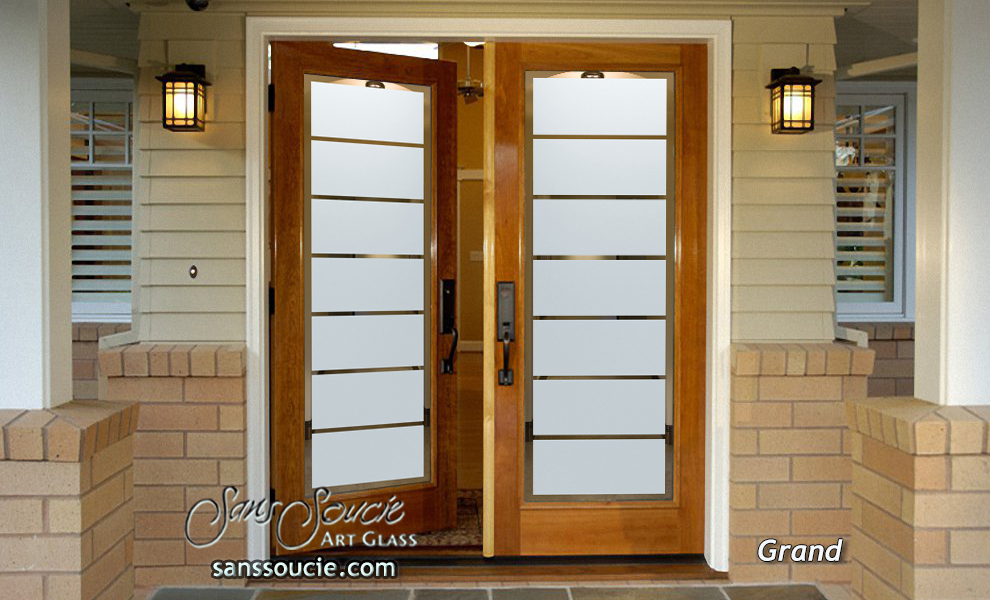 Grand glass traditional style etched glass front doors for Grand front doors