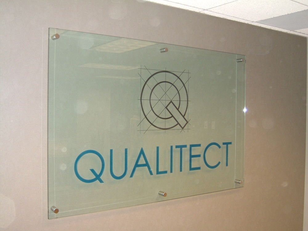 Glass Signs Qualitect Sans Soucie