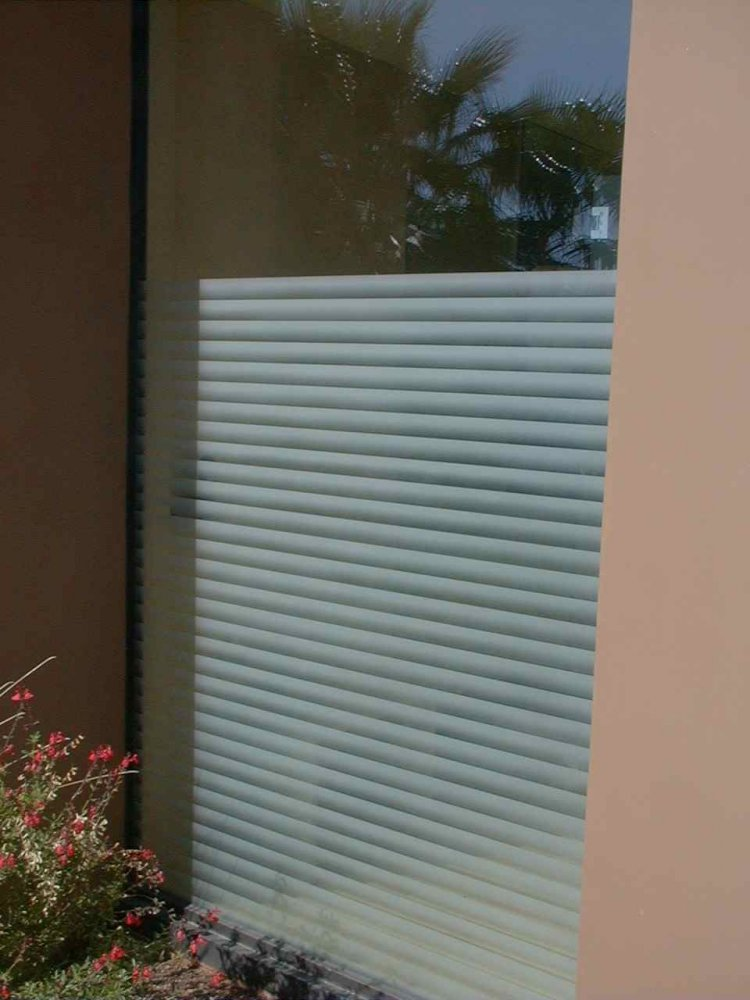 glass window etched glass modern design rectangles patterns louvres sans soucie