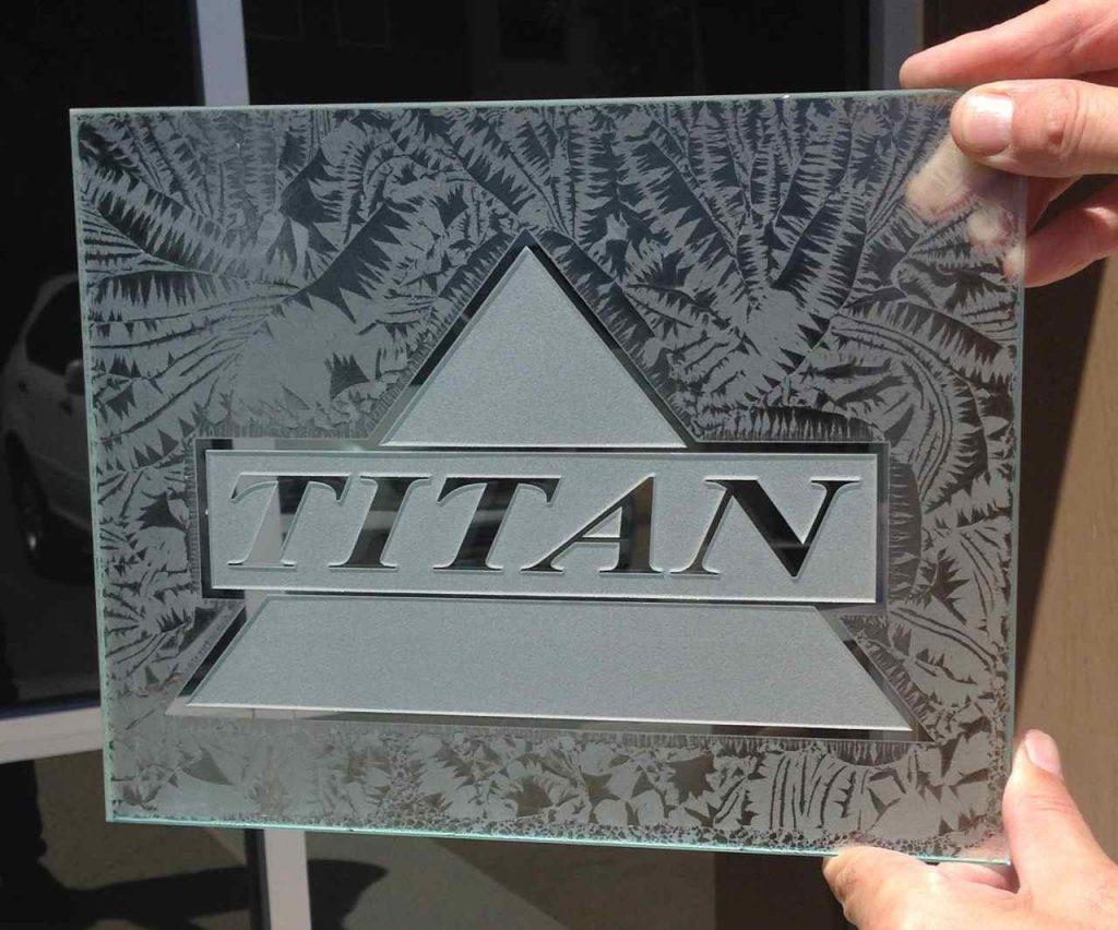 Signs Titan 3D Gluechip Sans Soucie
