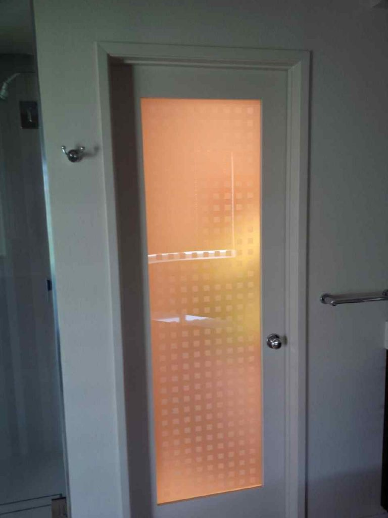privacy glass with without plastic squares - 2