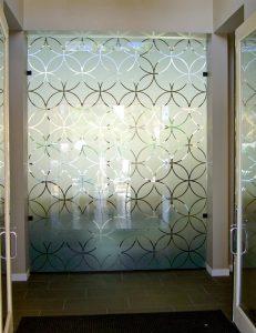 Partition with Glass Etching Art Deco circles Sans Soucie