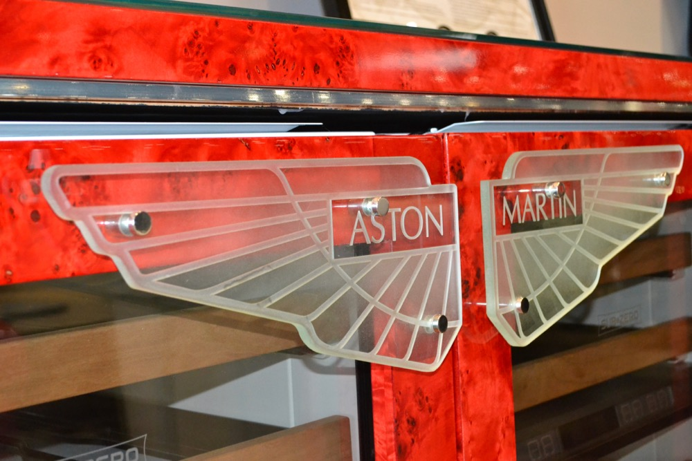 Glass Signs Etched Glass Logo aston martin Sans Soucie