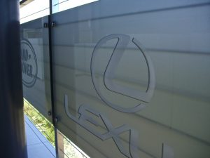 Glass Signs Carved Glass exotic car Logo Lexus Sans Soucie
