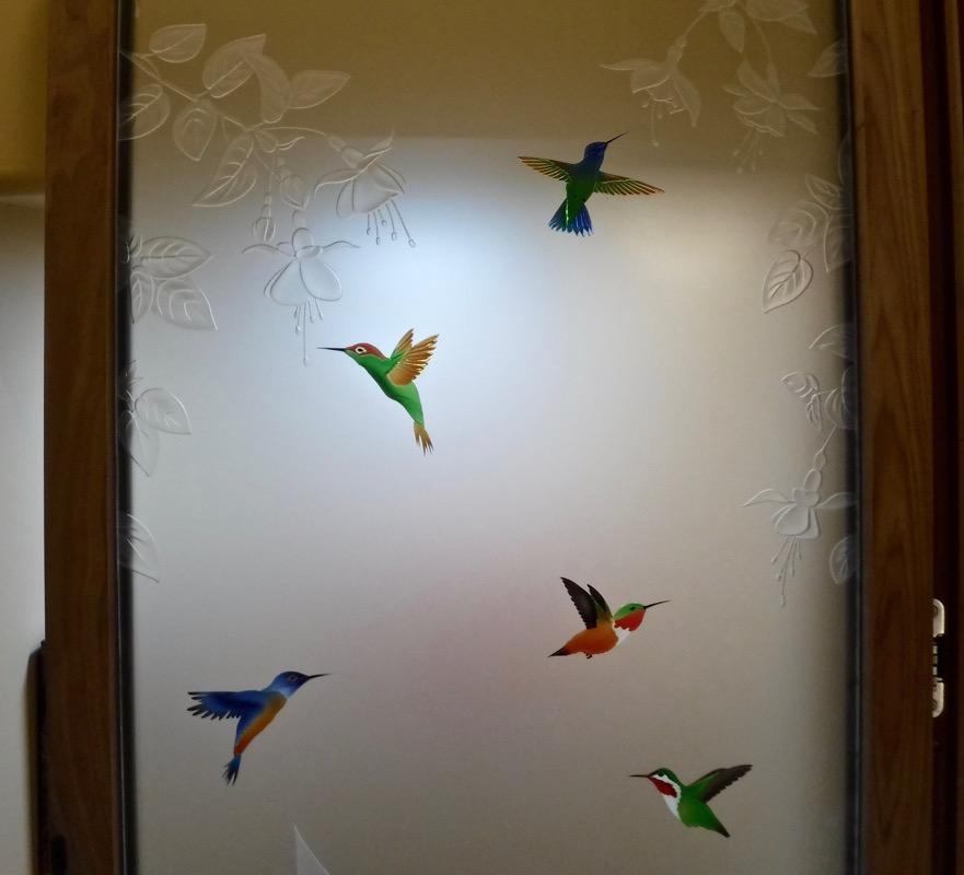 3D Carved Painted Glass Hummingbird Sans Soucie