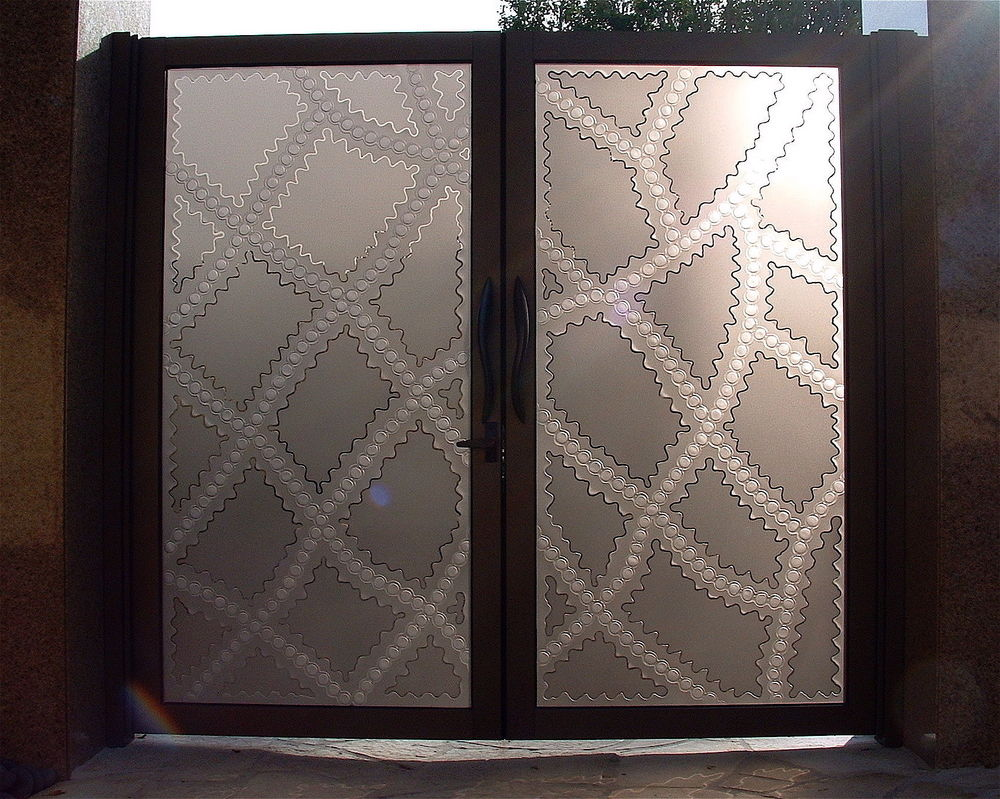 Entry Gate with Etched and Carved Glass Moroccan Pattern by Sans Soucie
