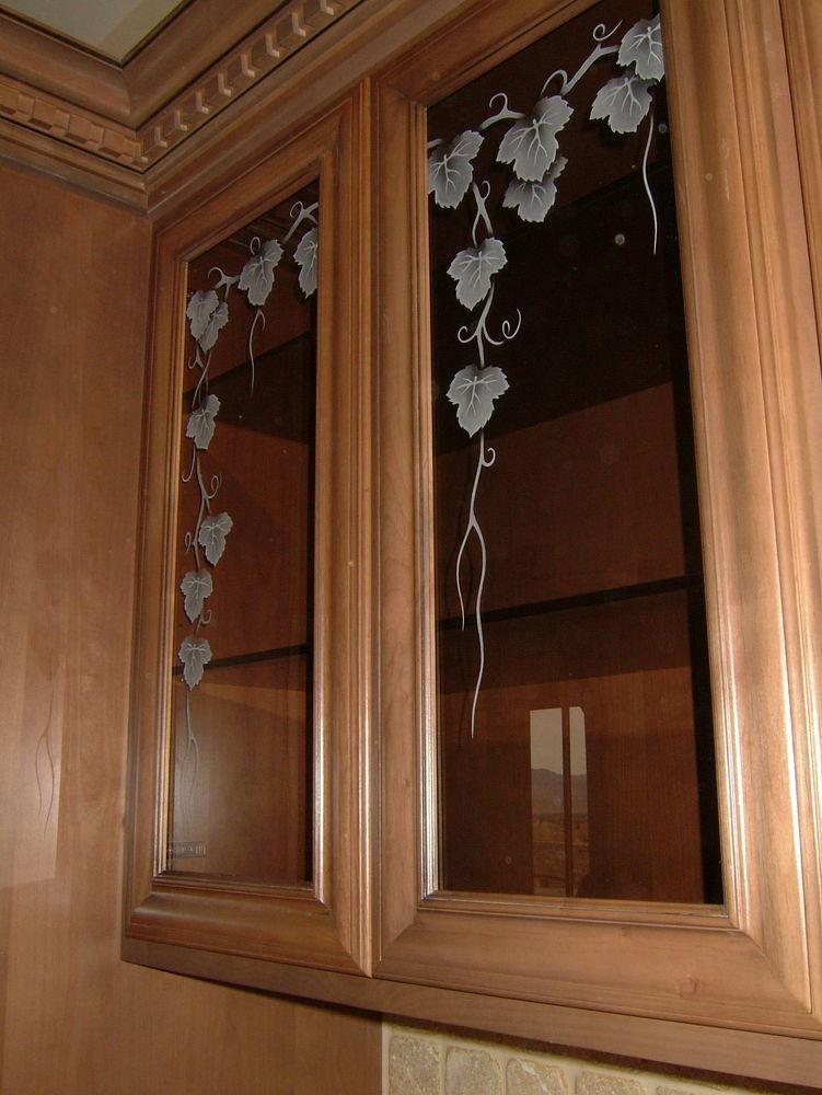 Vineyard Grapes Ivy Cabinet Glass Sans Soucie Art Glass