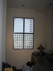glass window etching glass Tuscan style geometric shapes clover pattern with clavos sans soucie