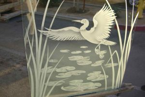 glass shower glass etching Asian style bird nature dancing egret sans soucie