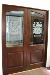 Sans Soucie Butlers Pantry Doors with Glass Etching Craved