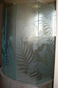 frosted glass tropical style ferns flowers hibiscus paradise sans soucie
