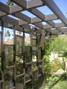Exterior Metal and Glass Partition with Glass Craving Modern Pattern by Sans Soucie