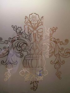 Sans Soucie Partitions Pony Wall with Glass Etching Traditional flowers